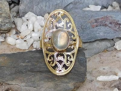Labradorite Oval Lattice Ring by Avashy