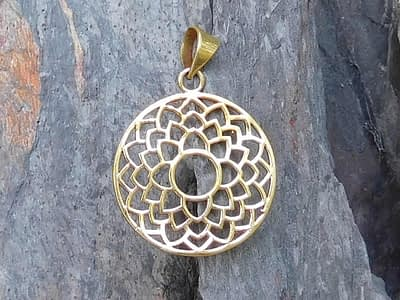 Lotus Petals Pendant by Avashy