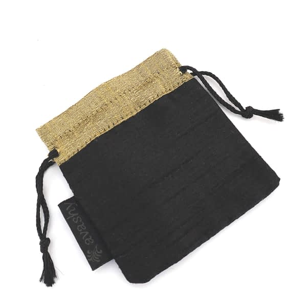 avashy pouch
